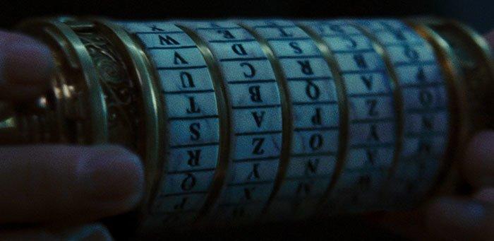 """5. """"Код да Винчи"""" (2006) дыра, известные фильмы, интересно, кино, недочеты, познавательно, про кино, сюжет"""