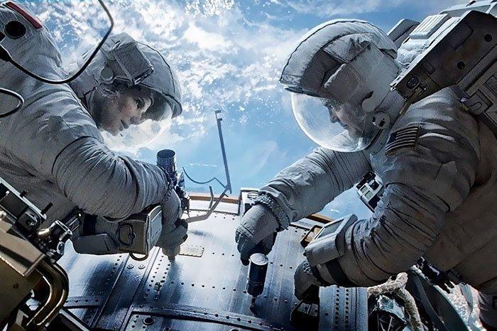 """4. """"Гравитация"""" (2013) дыра, известные фильмы, интересно, кино, недочеты, познавательно, про кино, сюжет"""