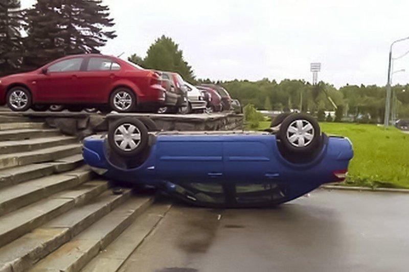 А вот ещё один гений парковки автомобили, прикол, фейлы, юмор