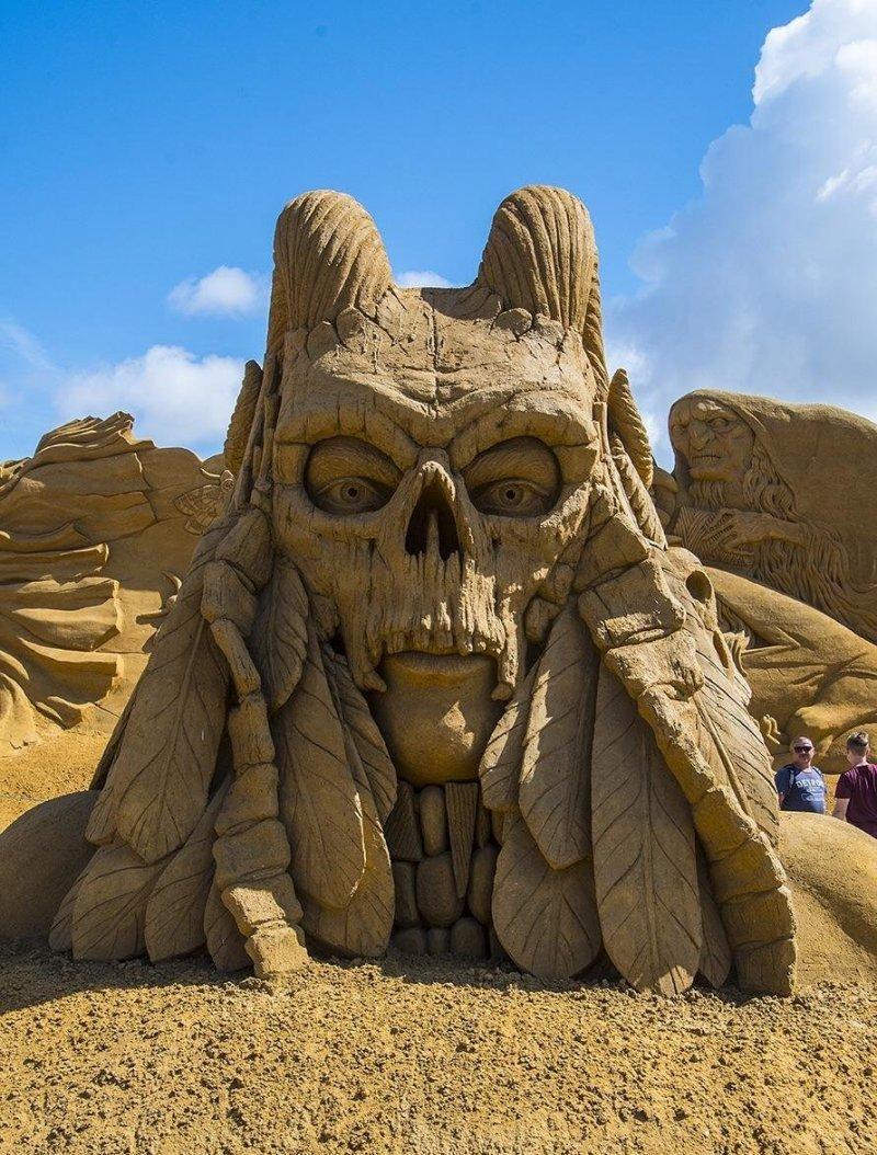 Потрясающая скульптура из песка день, животные, кадр, люди, мир, снимок, фото, фотоподборка