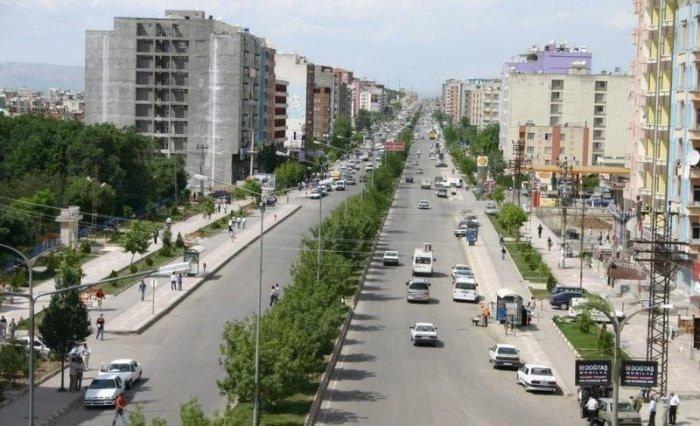 Житель турецкой провинции Батман по имени Кемаль Атакан Кюрджа создал петицию, направленную на изменение границ провинции Батман, чтобы та имела очертания фирменного знака Бэтмена бэтмен, в мире, люди, петиция, провинция, символ, турция
