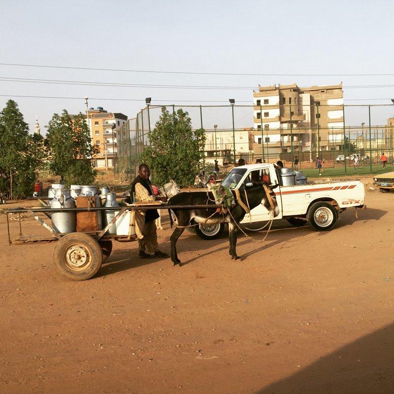 Но и гужевого транспорта хватает агломерация, африка, северная африка, столица Судана, столицы мира, судан, хартум