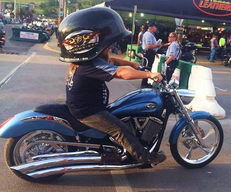 Вот почему байкеры никогда не заказывают шлемы на Али байкеры, байки, мотофишки, мотоцикл, мотоциклы, на дороге, прикол, юмор