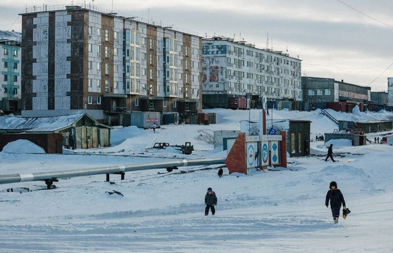 Как живут люди на краю света: города России за полярным кругом, где время замерло Города России, за полярным кругом, как живут люди, край вечных льдов, самые северные поселения страны