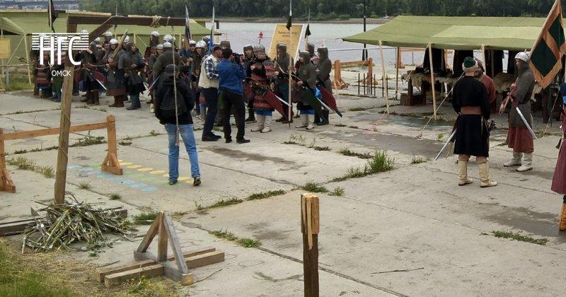 На День города омичам предложили побыть висельниками ynews, виселица, день города, интересное, омск, фото, юмор