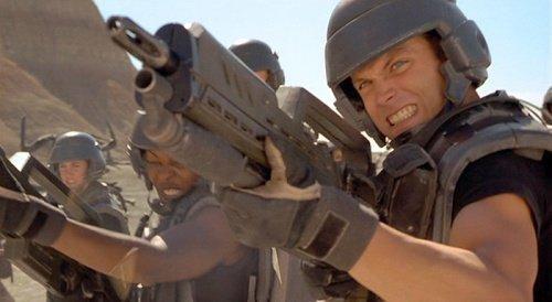 Звездный десант кино, оружие, факты