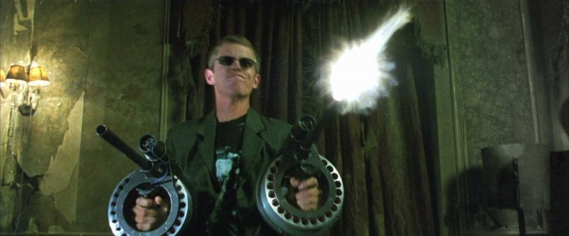 Матрица кино, оружие, факты