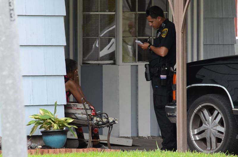 Пенсионерка из Хьюстона выстрелила в онаниста, пытавшегося забраться в ее дом  Хьюстон, бабушка, выстрел, дом, истории, маньяк, онанист, сша