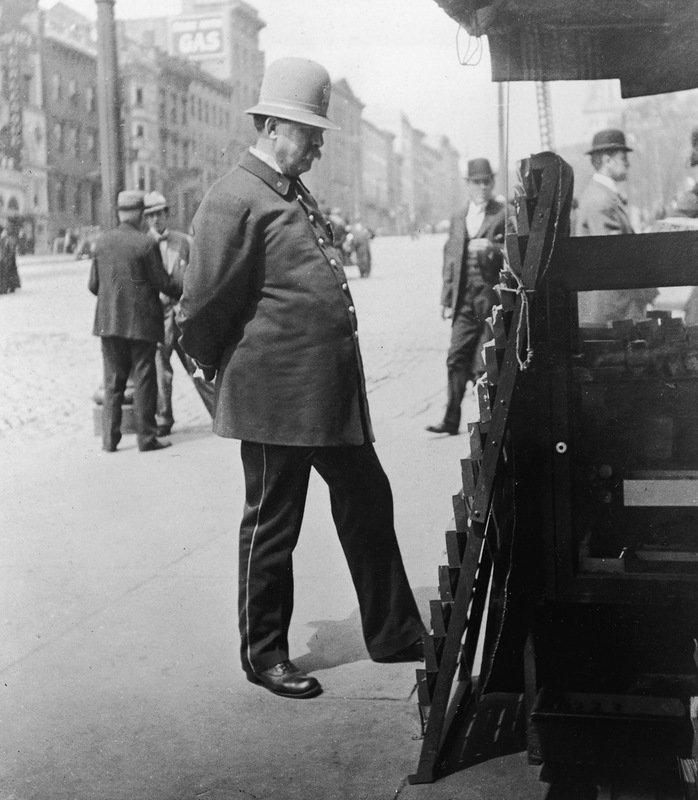 Полицейский на улице, Сан-Франциско. 1900 год. военное, жандармы, исторические фото, милиция, полиция, факты