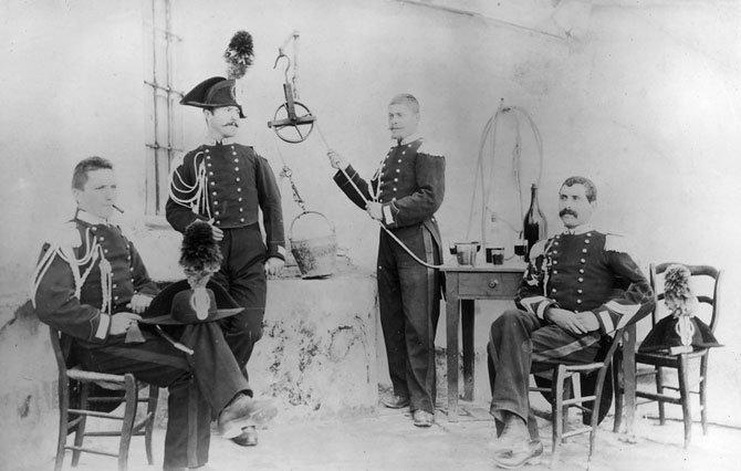 Карабинеры в Алассио, Италия. 1894 год. военное, жандармы, исторические фото, милиция, полиция, факты