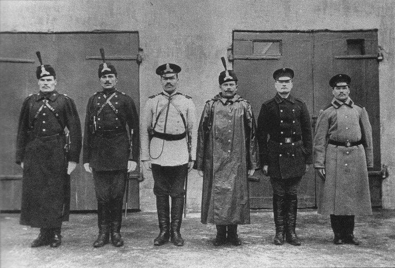 Форма одежды городовых и конюхов конно-полицейской стражи образца 1899-го года. военное, жандармы, исторические фото, милиция, полиция, факты