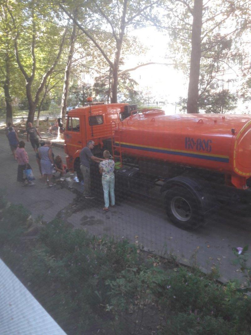 К жителям Анапы вернулась вода ynews, август, анапа, взаимовыручка, водопровод, засуха