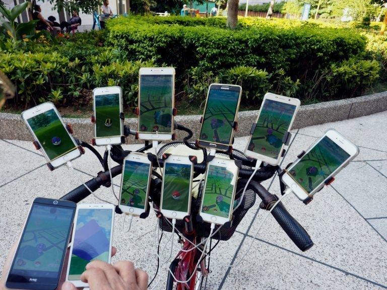 Пенсионер играет 5-6 раз в неделю приблизительно по 20 часов Pokemon GO, Тайвань, игра, игромир, мужчина, пенсионер, покемон