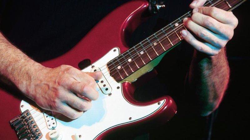 Струны жизни: как к гитаре подключили электричество гитара, музыка, музыканты, творчество