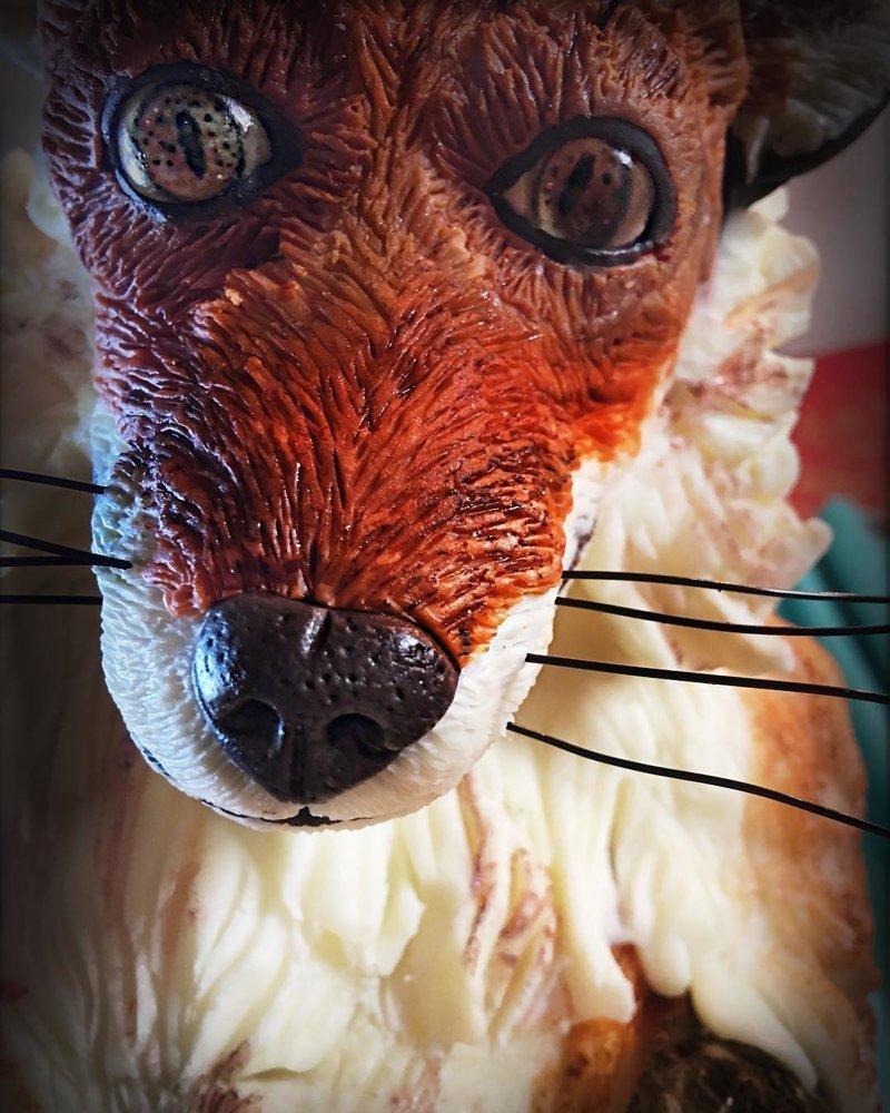 Кондитер готовит торты, которым место в фильмах ужасов Эндрю Фуллер, еда, креатив, торт, фантазия, фильм ужасов