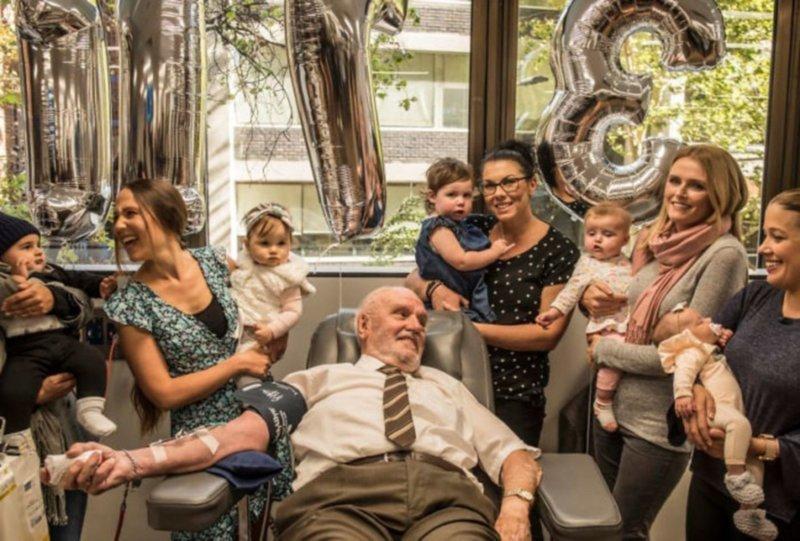 3. Джеймс Харрисон спас 2,4 миллиона младенцев, сдавая каждую неделю свою кровь на протяжении 60-лет. В его крови было найдено редкое антитело. Сегодня он это делает в последний раз Любовь, жизнь, позитив, самопожертвование, фото, человечность