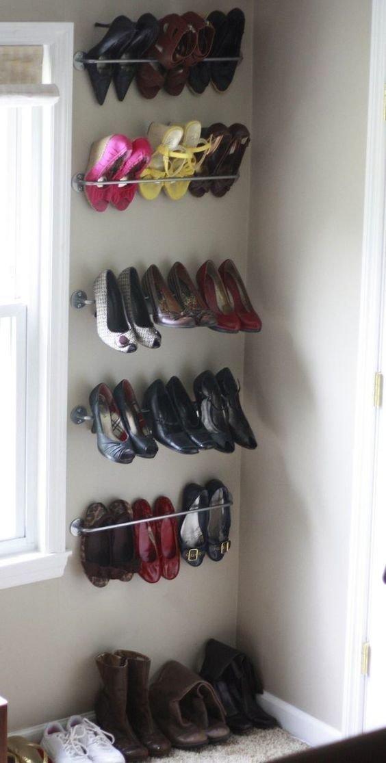 9. Даже не обязательно иметь огромную гардеробную, чтобы хранение обуви выглядеть гармонично  маленькая квартира, обувь, способы хранения, фото, хранение, шкаф