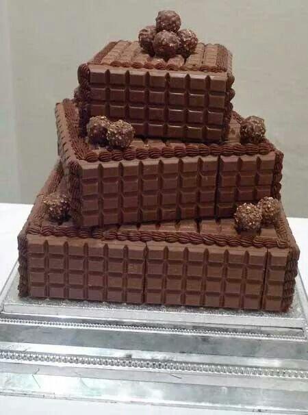 9. Украсить торт можно целыми плитками шоколада вкусно, десерты, идеи, интересно, красиво, полезные идеи, торты, фото