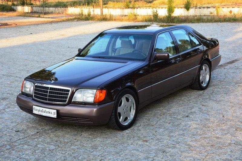 Очагов коррозии нет, правды ради стоит отметить, что 10 лет назад, автомобиль перекрашивался. Разумеется качественно и без вопросов. mercedes, mercedes w140, mercedes-benz, s-classe, w140, авто, автомобили, янгтаймер