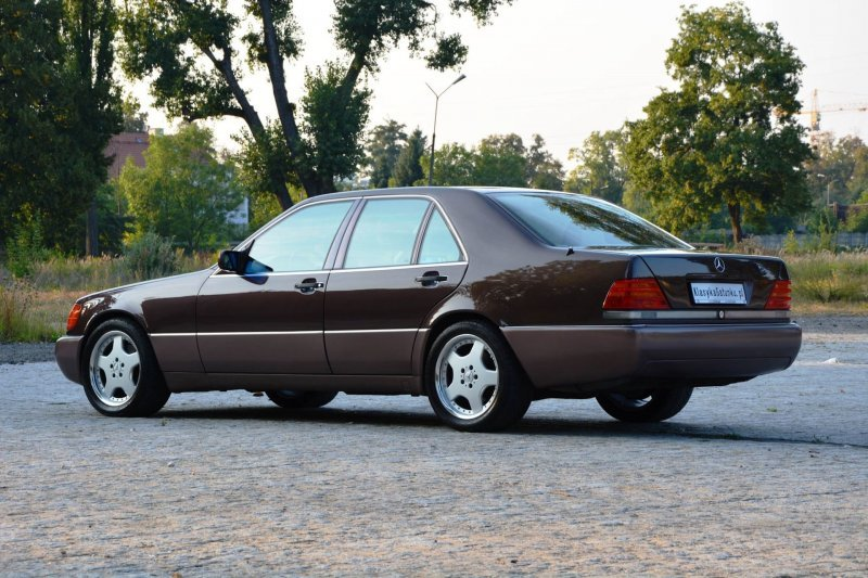 Не сток только 18-и дюймовый диски Intra, а также CD магнитола, замененная в конце 90-х. mercedes, mercedes w140, mercedes-benz, s-classe, w140, авто, автомобили, янгтаймер