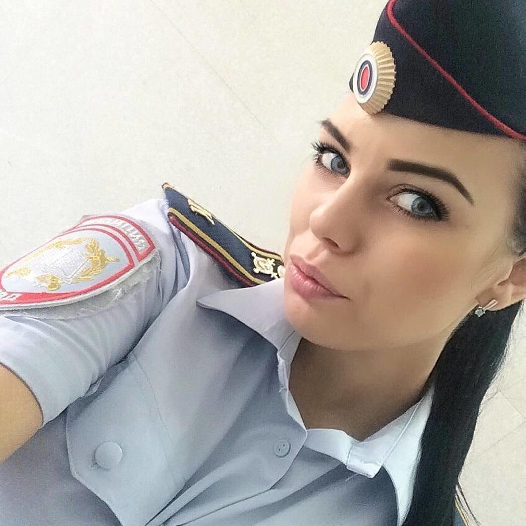 Красотка глаз не оторвать картинки, день трезвости россии