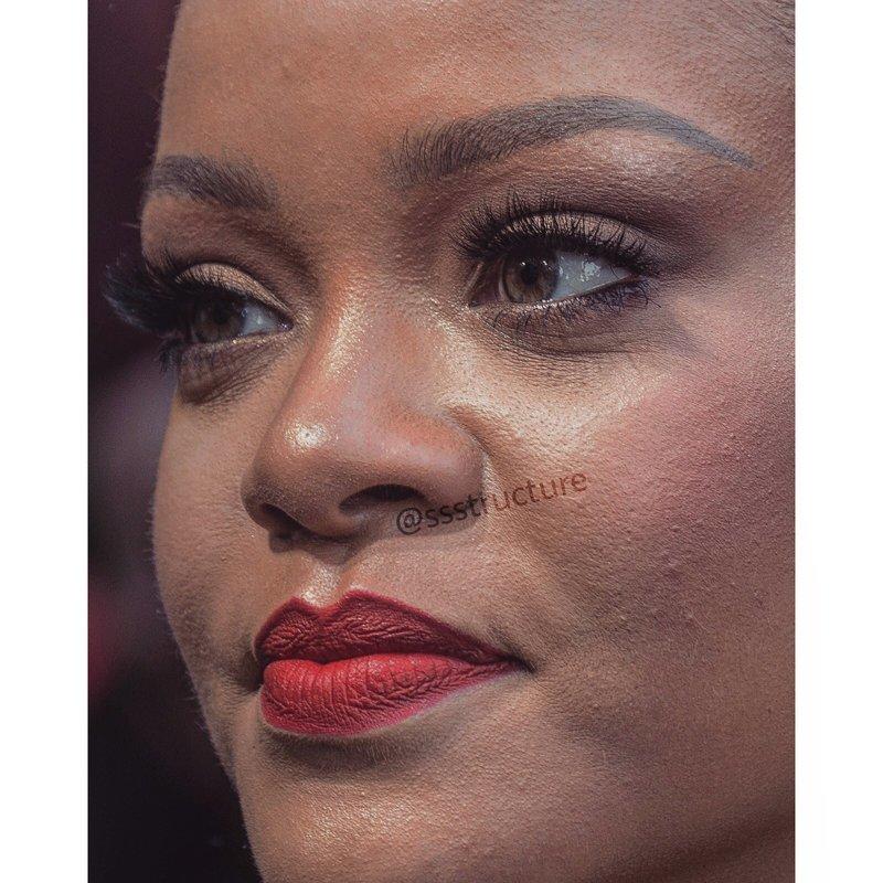 5. Рианна без макияжа, без фотошопа, звезды вблизи, знаменитости, фото вблизи