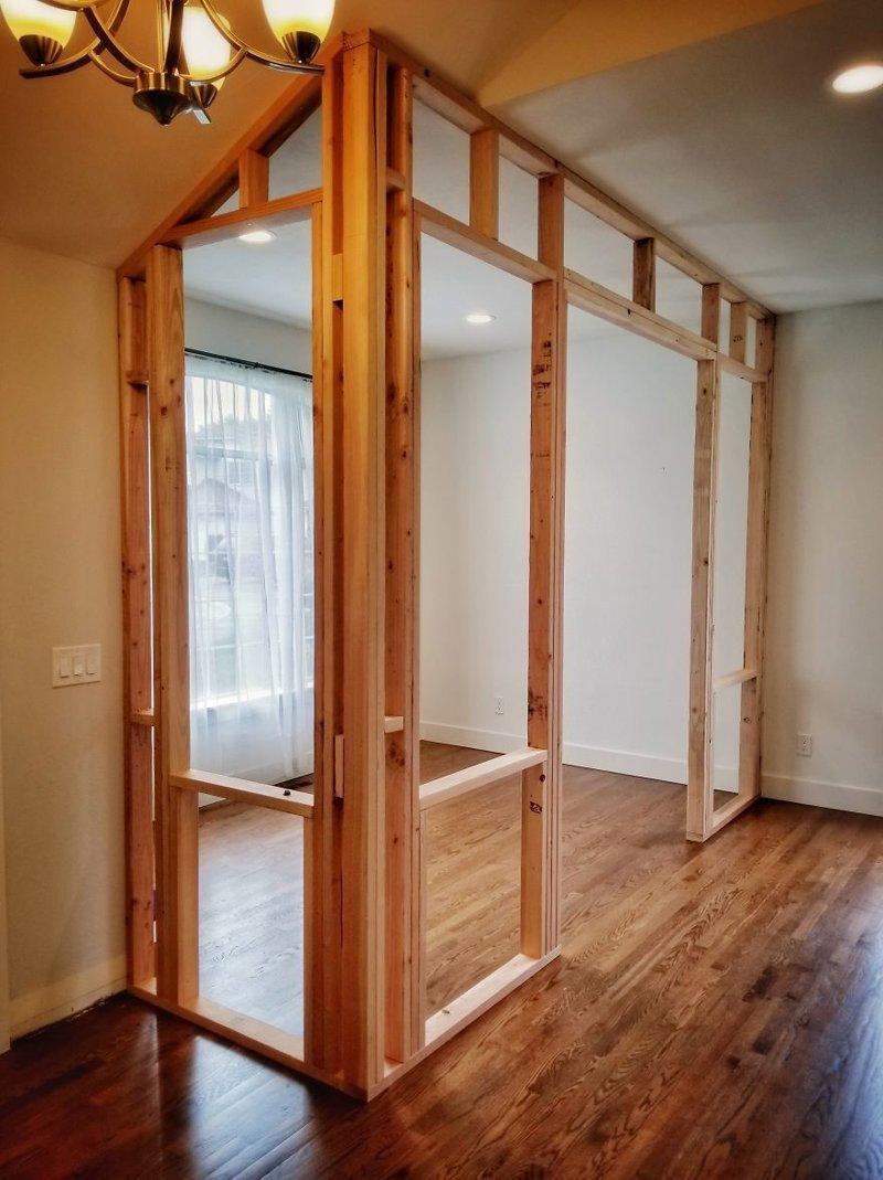 Боковая стенка не потребовала много времени, но из-за наклонного потолка пришлось потрудиться гостиная, дом, зонирование, кабинет, рабочее место, своими руками, сделай сам