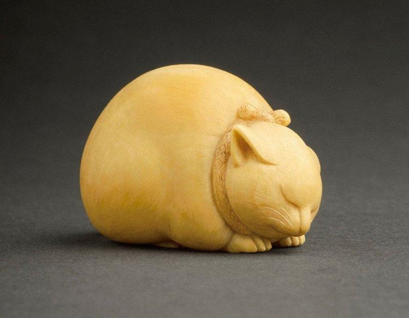 1. Спящий кот. Слоновая кость. Япония, 19 век интересное, история, находки, уникальность