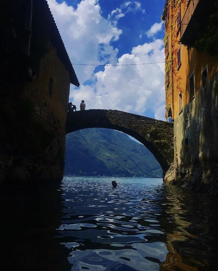 Озеро Комо, Италия день, животные, кадр, люди, мир, снимок, фото, фотоподборка