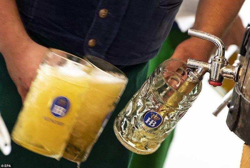 Самые популярные шесть сортов - Paulaner, Spaten, Löwenbräu, Augustiner, Hofbräu и Hacker-Pschorr ynews, бавария, гуляния, мюнхен, октоберфест, октоберфест 2018, пивной фестиваль, пиво
