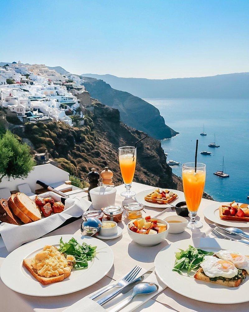 Красивый завтрак у моря картинки самый романтичный