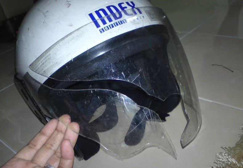 5. Когда что-то отлетело в маску, а не сломало нос безопасность, береги жизнь, велосипедный шлем, каски, опасно, шлемы, экстрим