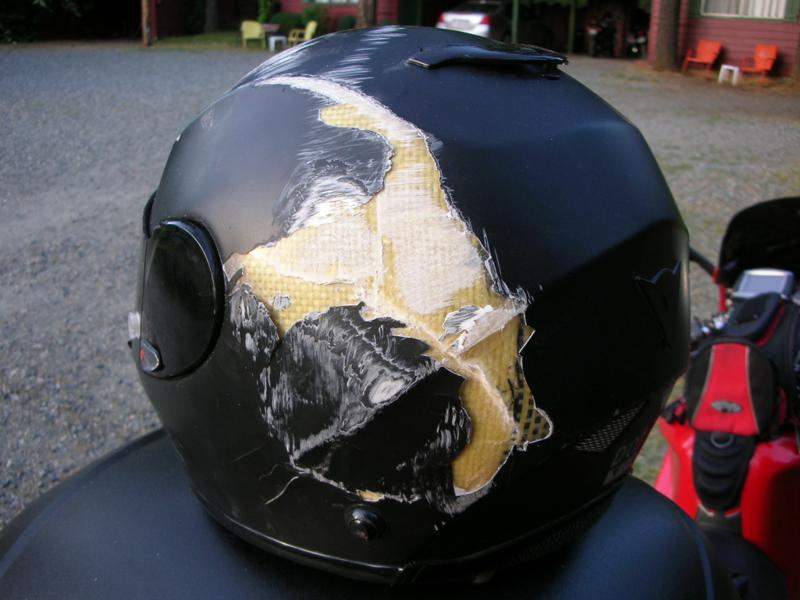9. Шлемы должны носить все любители экстремальных видов спорта, в том числе велосипедисты безопасность, береги жизнь, велосипедный шлем, каски, опасно, шлемы, экстрим