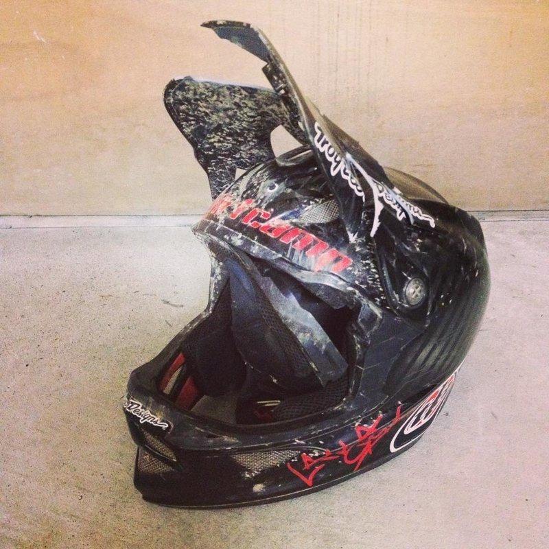 19. безопасность, береги жизнь, велосипедный шлем, каски, опасно, шлемы, экстрим