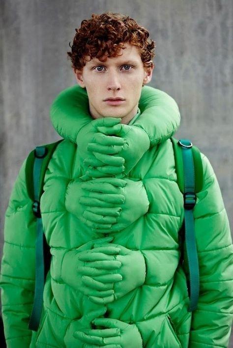Привлекает внимание, а так куртку носить можно вещи, костюмы, куртка, одежда, прикол, свитер