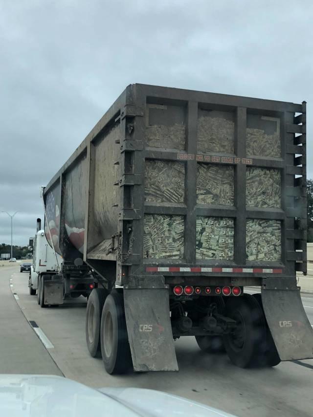 КарÑ'инки по запросу грузовик для денег