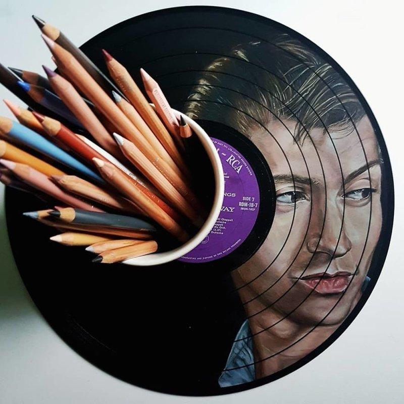1. Алекс Тернер из Arctic Monkeys виниловые пластинки, знаменитости, искусство, креатив, портреты, рисунки, творчество, художник