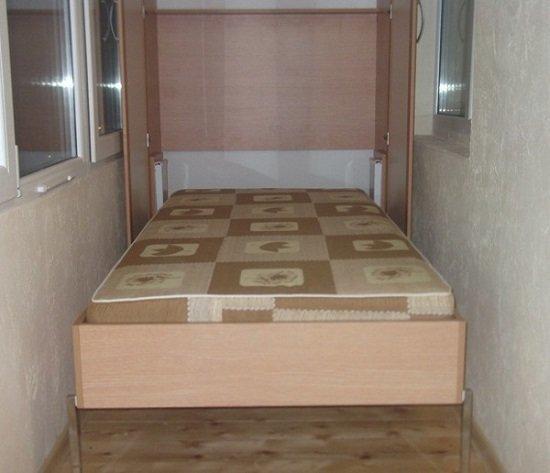 А если сделать откидную кровать? Целое спальное место! Да, балкон надо будет утеплить, или спать только летом Фабрика идей, балкон, дизайн, идеи, маленький, экономия пространства