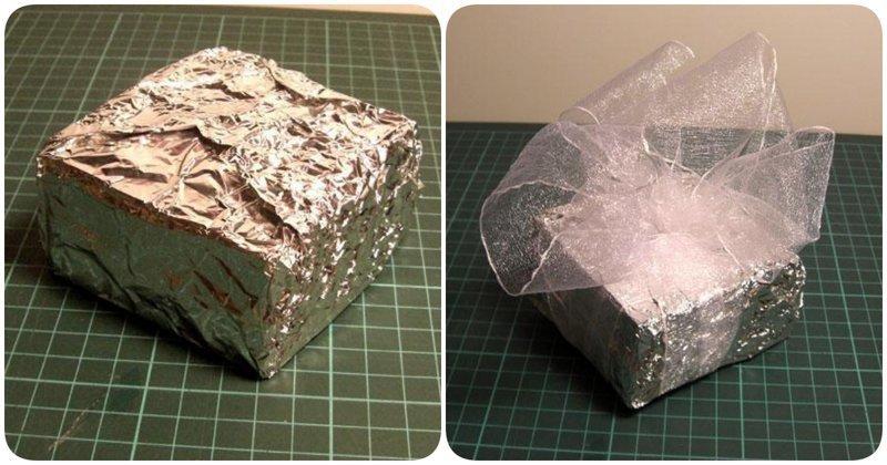 2. Если под рукой нет упаковочной бумаги, то фольга с легкостью ее заменит алюминиевая фольга, в быту, интересно, полезно, фольга, фото, хитрости
