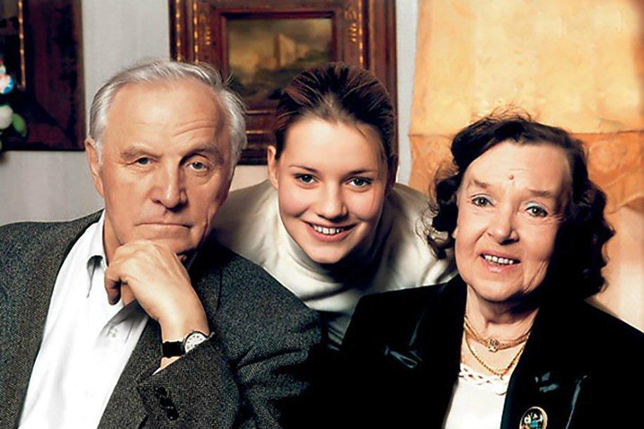Михаил Ульянов жена внучка