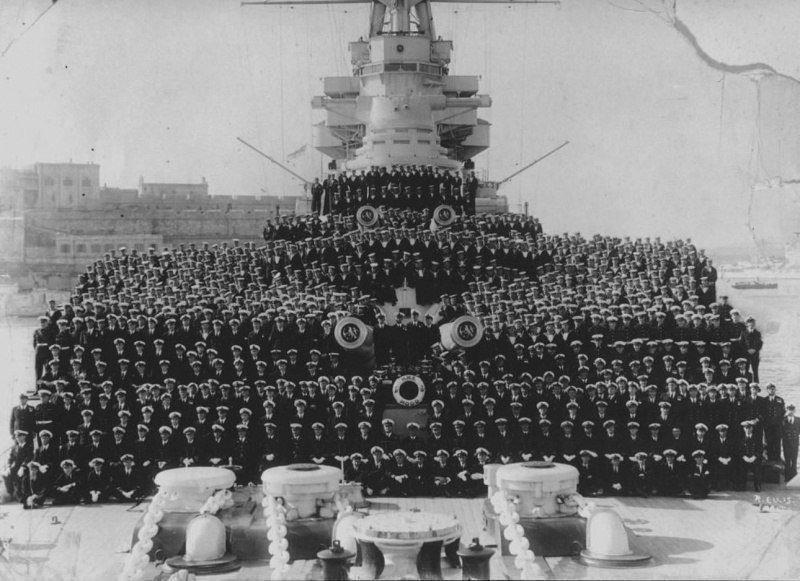 Групповое фото команды британского линкора «Худ» Великая отечественая война, архивные фотографии, вторая мировая война