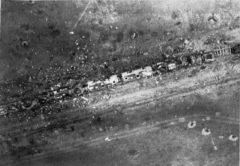 Останки немецкого бронепоезда Panzerzug 76, уничтоженного 14 апреля 1945 г. шестёркой Ил-2 Великая отечественая война, архивные фотографии, вторая мировая война