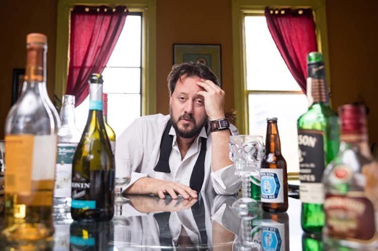 Профессор-алкоголик смог найти отличное средство от похмелья алкоголик, алкоголь, в мире, люди, открытие, похмелья, профессор