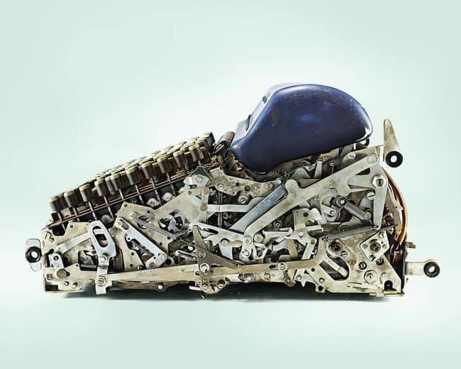 14. Пишущая машинка в разрезе, вещи в разрезе, интересно, пополам, фото