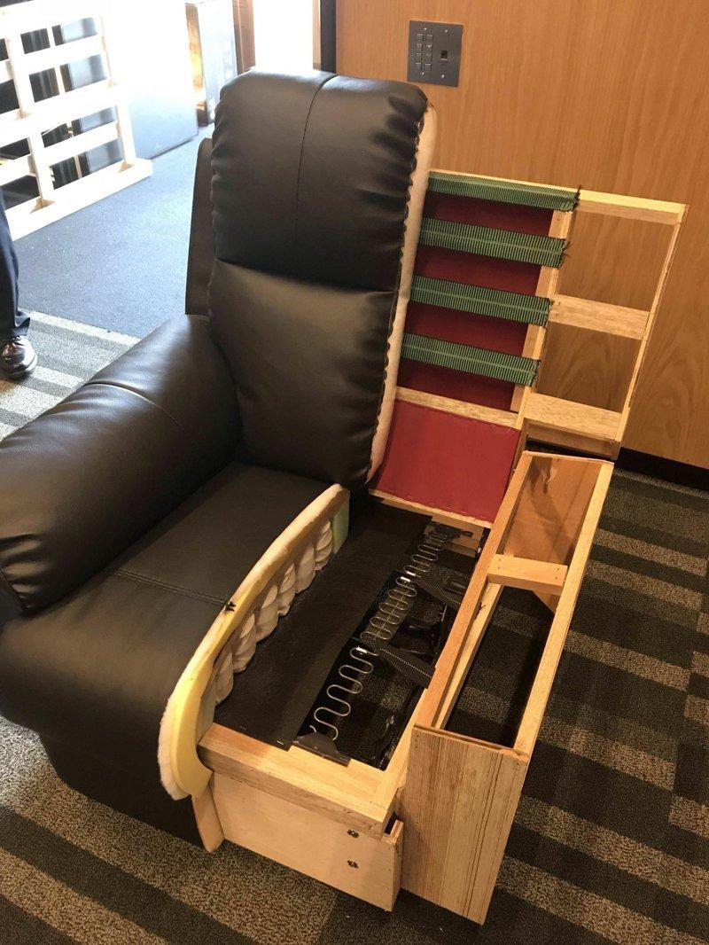 15. Кресла - так производители показывают, из чего делают мебель в разрезе, вещи в разрезе, интересно, пополам, фото