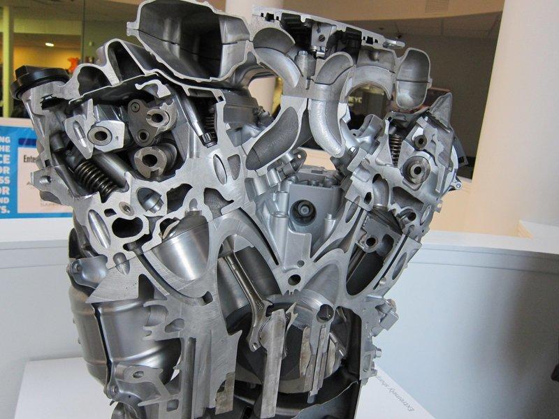 9. Двигатель авто в разрезе, вещи в разрезе, интересно, пополам, фото