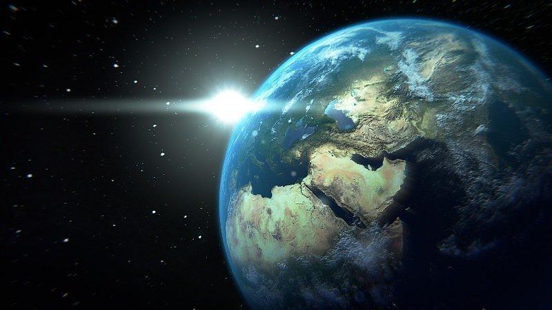 Земля - 5 биллиардов долларов богатство, деньги, доллар, миллионер, рубль, ширпотреб