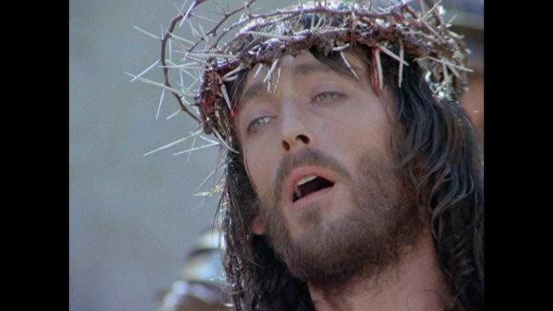 Роберт Пауэлл в фильме «Иисус из Назарета» актеры, желанная роль, иисус христос, кино, споры, трудная работа
