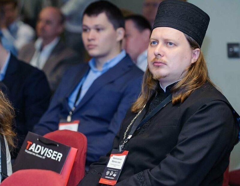 Священник, помешавшийся на роскоши, рассказал о своей жизни ynews, Гуччи, богатство, бренд, исповедь, одежда, священник
