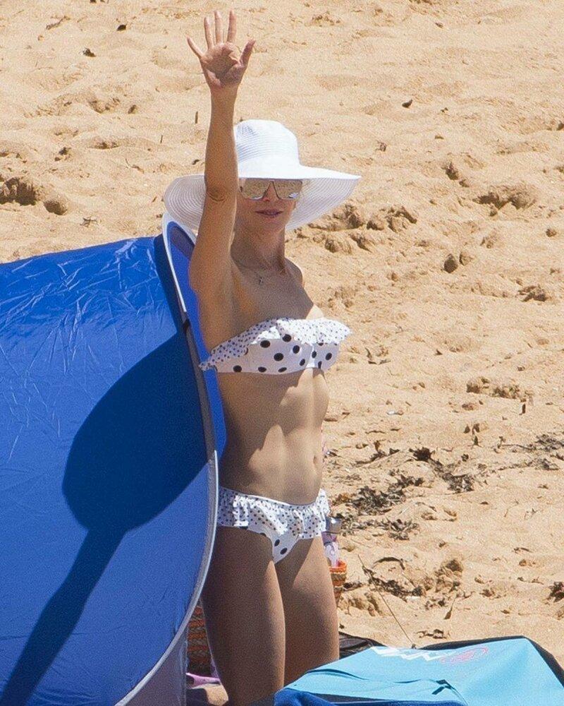 Извращенец напал на пляже — pic 14